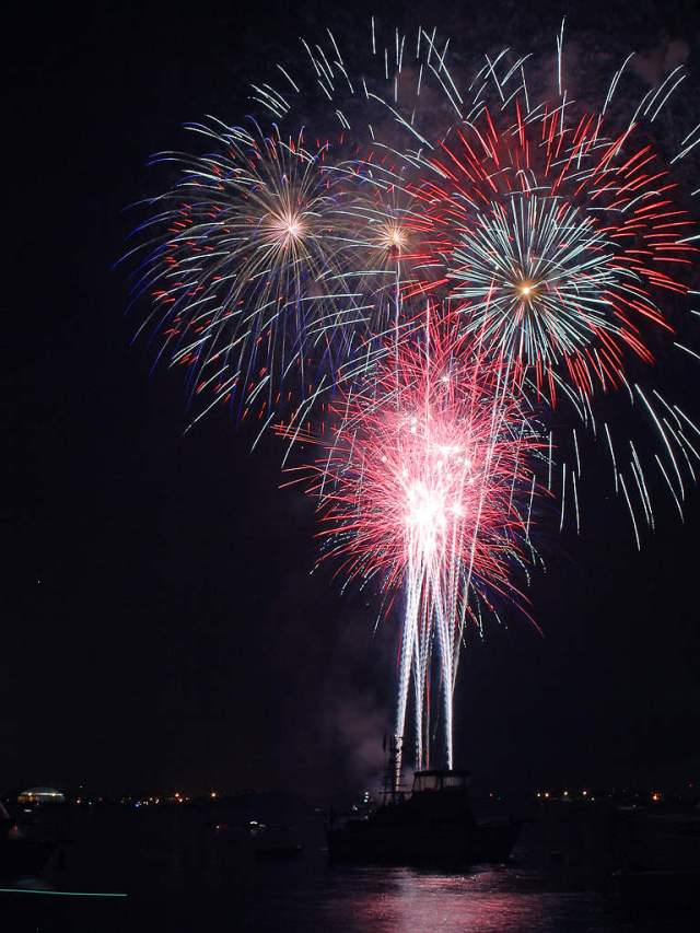 San_Diego_Fireworks.jpg
